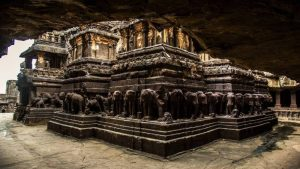 Temple and Cave Tour of India