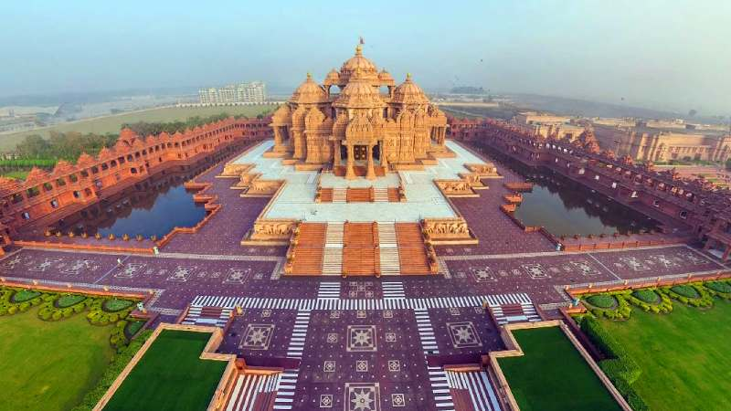 Full day Delhi temple & garden tour